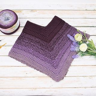 Ravelry: Classical Attitude Poncho - Child pattern by Hobbii