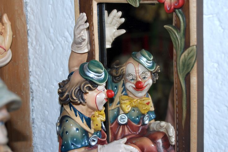 #arte #profana #pagliaccio #Weltliche #Kunst #Hanswurst #secular #art #clown #sculturainlegno #Holzschnitzereien #woodcarvings#Merano