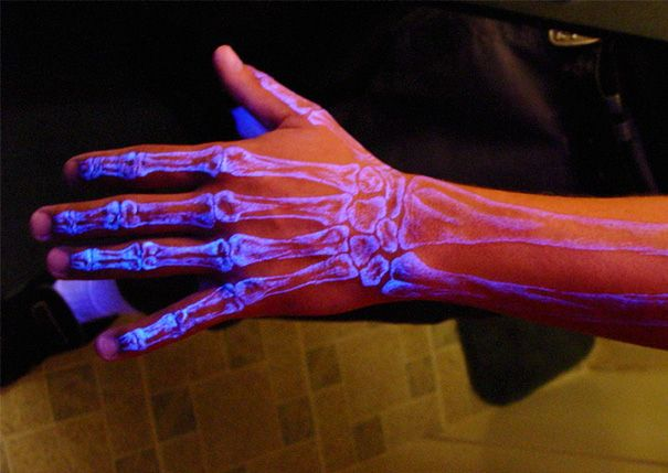 17+ Awesome Glow In The Dark Tattoos Visible Under Black Light ...