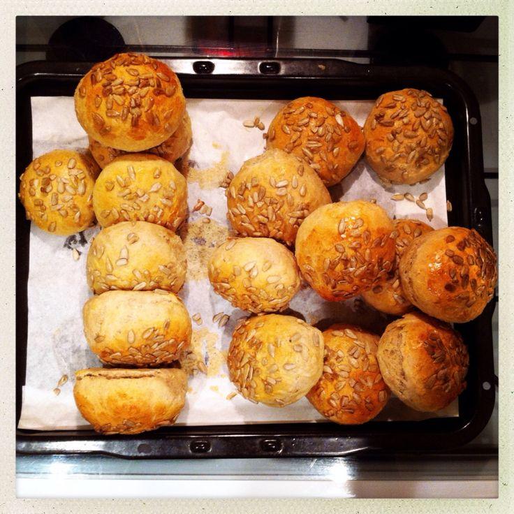 16. Dec 2013: Early starts crave excellent breakfast treats! 16(+1) morgen Davreboller (farmors opskrift) til mine kolleger og mig på the red-eye to Copenhagen