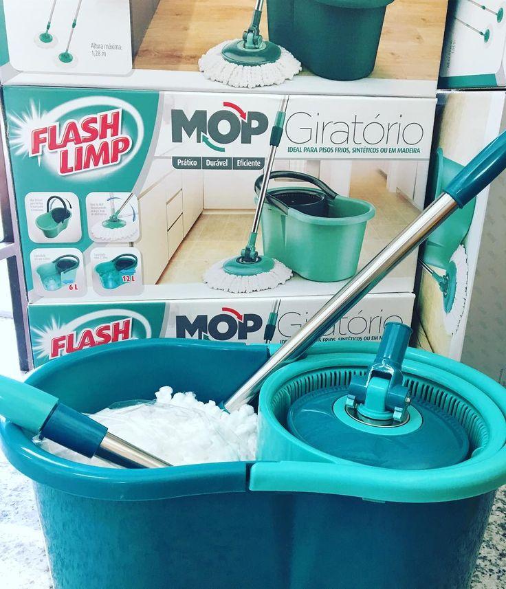 O MOP giratório da Flash Limp é prático, durável e eficiente. Possui cabo telescópico em aço inox, substitui a vassoura, o rodo e o pano de chão! Tem grande poder de absorção e pode ser usado em pisos frios, sintéticos ou amadeirados! Você encontra esse produto e muitos outros aqui na A Mestiça, a loja mais completa de Cachoeiro! 😍 #vempraca #vemver #mopgiratorio #flashlimp #nostemos #nosamamos #utilidades #utilidadesdomesticas #lojanova #lojacompleta #lojaquetemtudo #amestica #cachoeiro…