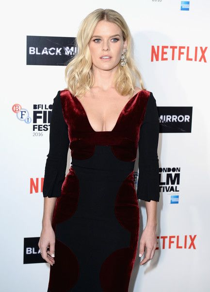 Alice Eve Photos Photos - Actress Alice Eve attends the LFF Connects Television: 'Black Mirror' screening during the 60th BFI London Film Festival at Chelsea Cinema on October 6, 2016 in London, England. - LFF Connects Television: 'Black Mirror' - 60th BFI London Film Festival