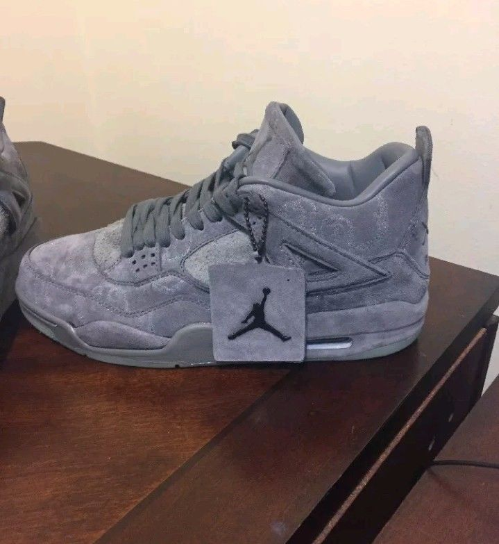 low priced 14960 e006c NIKE AIR JORDAN 4 IV RETRO KAWS SZ 11 COOL GREY SUEDE GLOW ...