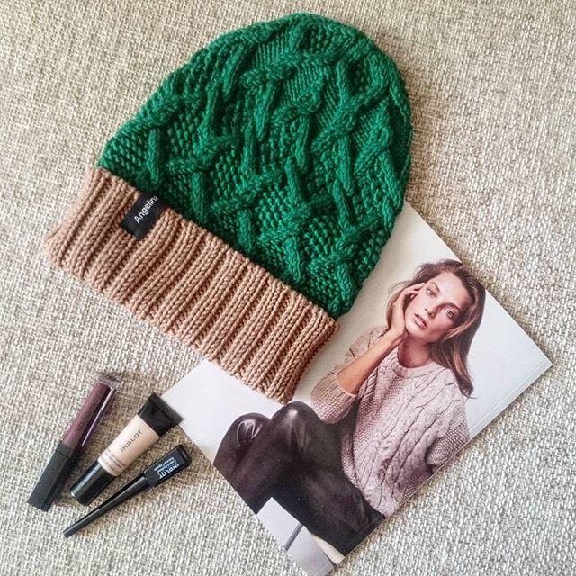WEBSTA @ sakhar_knit - Скоро будет другая цветовая гамма 🎄👸🙌-----------------------=------=-------=---------#knit #knitter #merino #wool #merinowool #вязание #явяжу #люблювязать #длядевушки #снуд #шапка #шерсть #меринос #knitting #knitting_is_love #knit_by_sakhar #knitting_inspiration #knitting_inspire #i_loveknitting #strick #knitted #inspiration #шапкасаранами #knitforlady