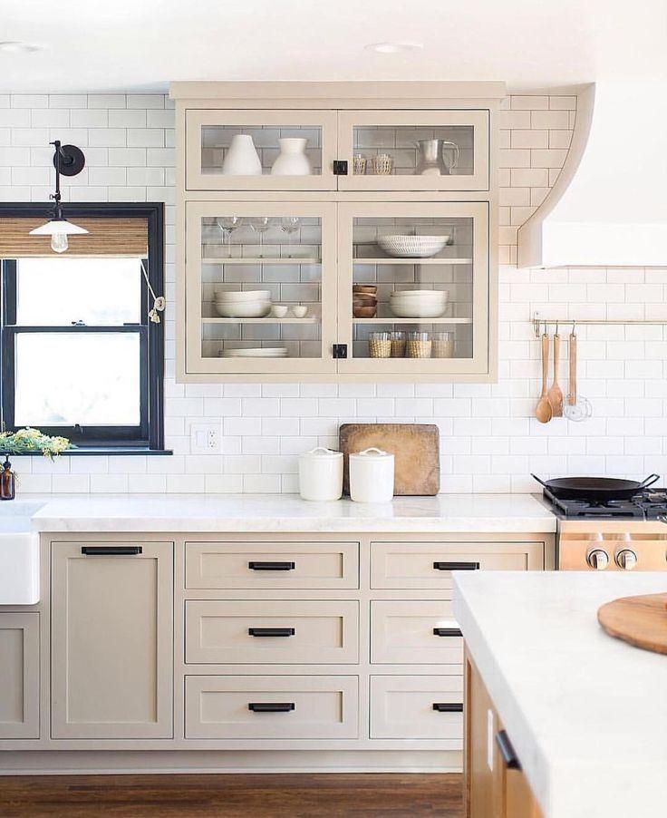 Neutral Kitchen Design That Incorporates Subway Tile Beige