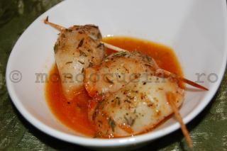 Calamari umpluti la cuptor in sos provensal - Reteta culinara ilustrata pas cu pas
