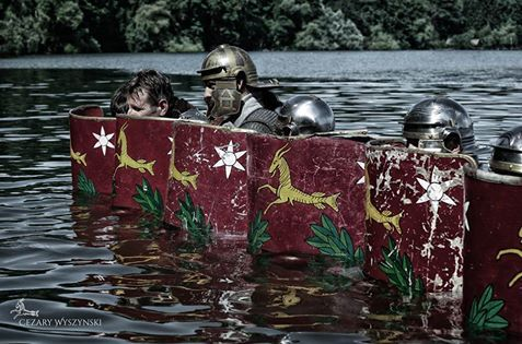 Last men standing... after a failed attempt to land across the Rhein with scores of barbarians defending the right bank. Legio XXI Rapax