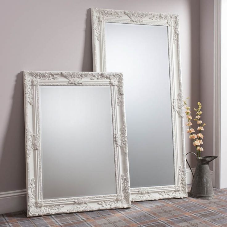 This cream mirror exudes elegance and will add a sophisticated feel to your living space. The larger of the two cream mirrors pictured this wonderful hampshire leaner mirror offers a wonderful luxurious feel.  The mirror is a fine example of classic styling accomplished by modern craftsmanship. Finished in a luxurious cream