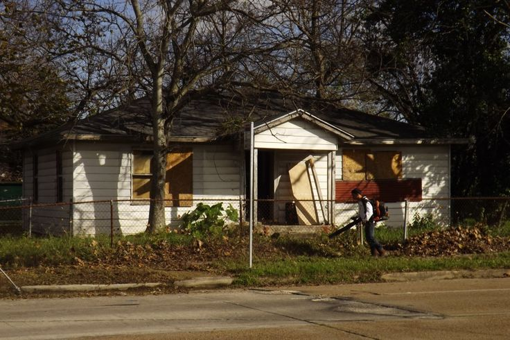 11 best downtown houston rehab images on pinterest for Craftsman home builders houston