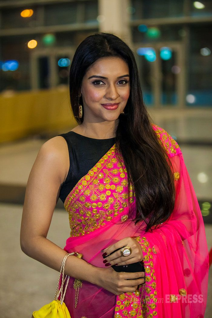 Sept, 13: Asin was a pretty sight in a bright coloured Masaba sari paired with a black sleeveless blouse at a recent award show (Photo: Varinder Chawla)