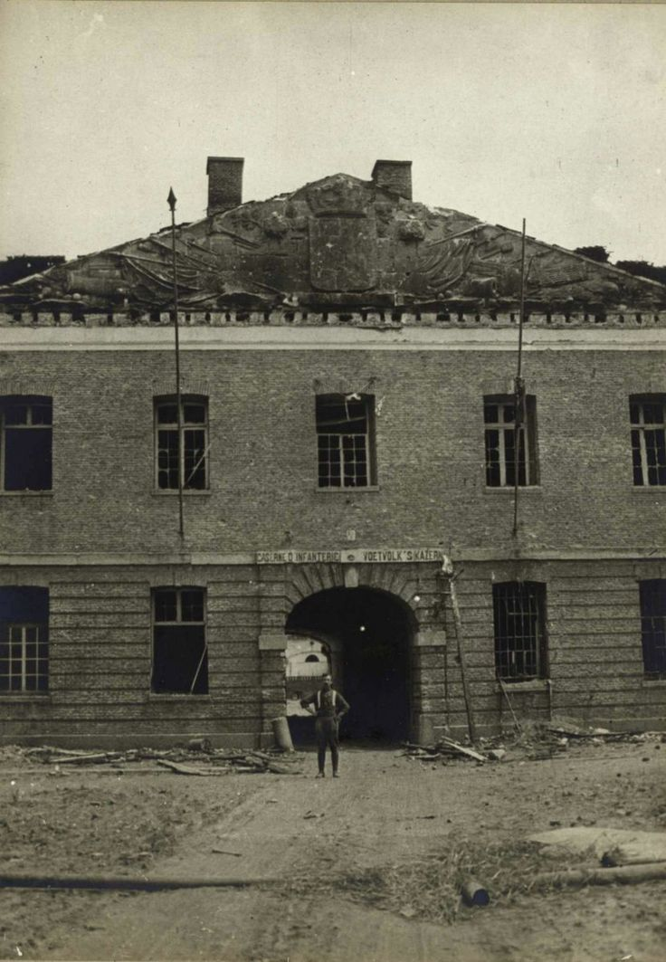 WWI; The entrance of Ypres barracks, home of the Belgian 7th Line Regiment, 1915. - Johan Ryheul (@JohanRyheul)   Twitter