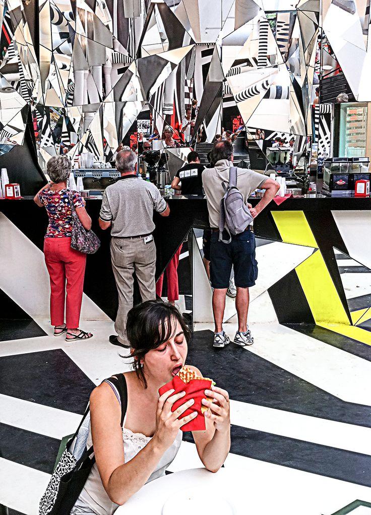 Biennale Café 2013 - © Jan Oberg 2015