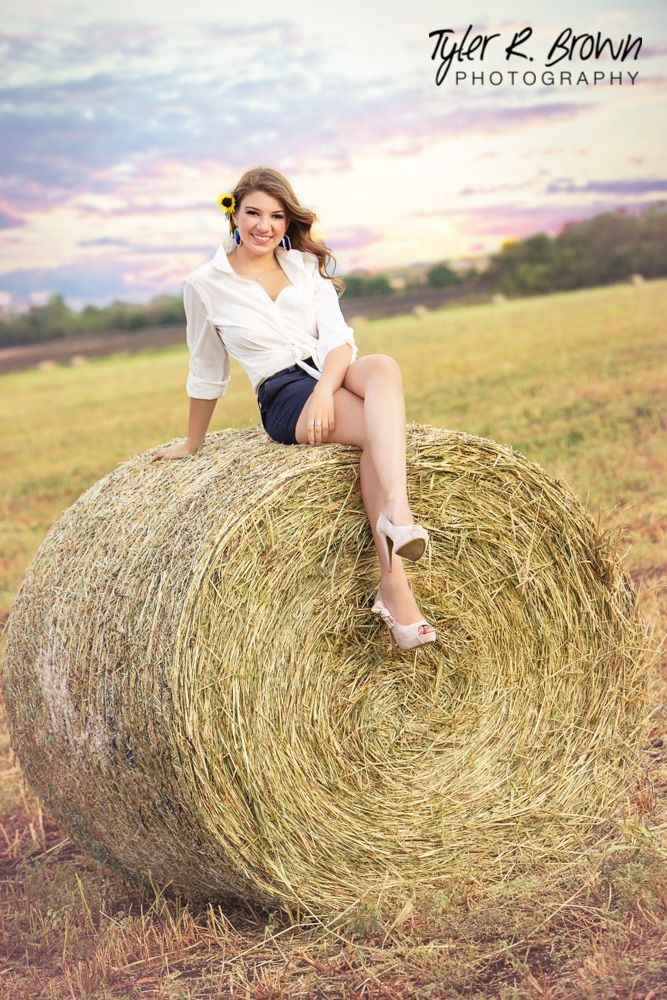 Alex McKay - Heritage High School - Senior Portraits - Class of 2015 - #seniorpics - Hay Bales - Senior Pictures - Sunset - Field - Texas - Frisco, Texas - #neeneestiles - Casual - Ideas for Girls - Tyler R. Brown Photography