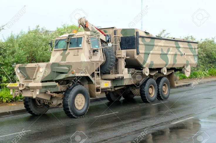 27950791-Samil-100-Kwevoel-Armoured-Truck-Stock-Photo.jpg (1300×863)
