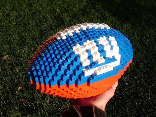 NY Giants ~ Lego football. Check out some of the other pieces of work from this link! Amazing...