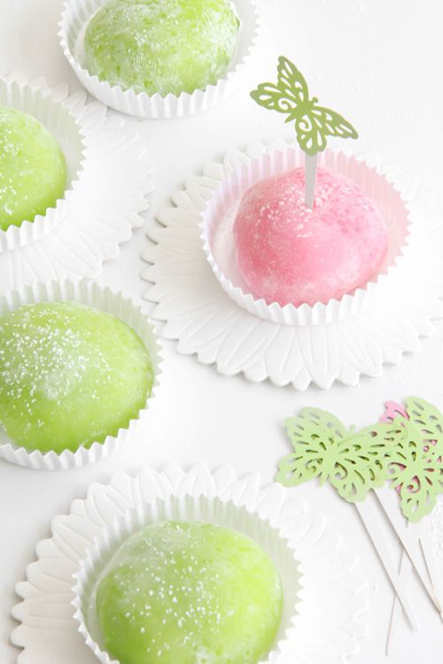 ---Mochi with Red Bean Paste---  -Filling-  1/2 cup water  1 cup sugar  14 oz can Adzuki beans  1 tbsp.  vegetable oil  Pinch of salt  -Mochi-  1 1/2 cups glutinous rice flour  1/4 cup sugar  2/3 cups water  2 drops red or green food coloring  1/2 cup cornstarch