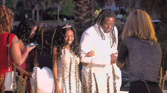 Teen dies of cancer weeks after prom with NFL player | News  - Home