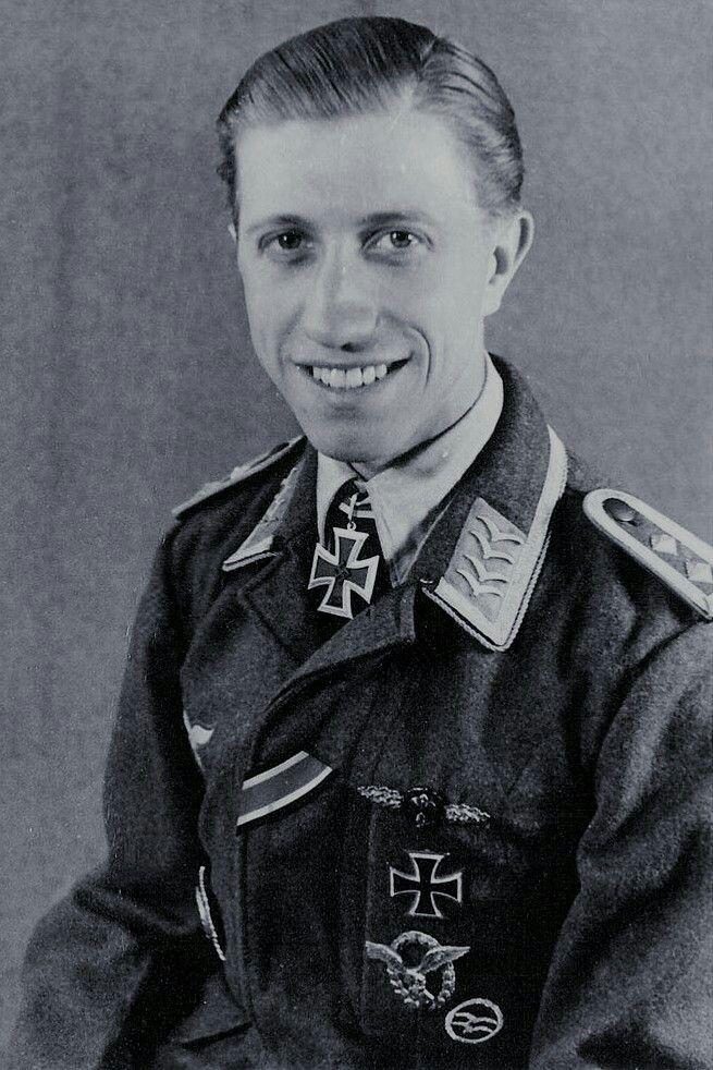Feldwebel Rudolf Frank (1920-1944), Flugzeugführer in der 2./Nachtjagdgeschwader 3, Ritterkreuz 06.04.1944, Eichenlaub (531) 20.07.1944