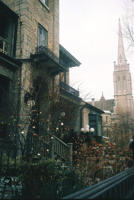 Kingston, Ontario, Canada - Kingston Christmas by handful of bees, via Flickr