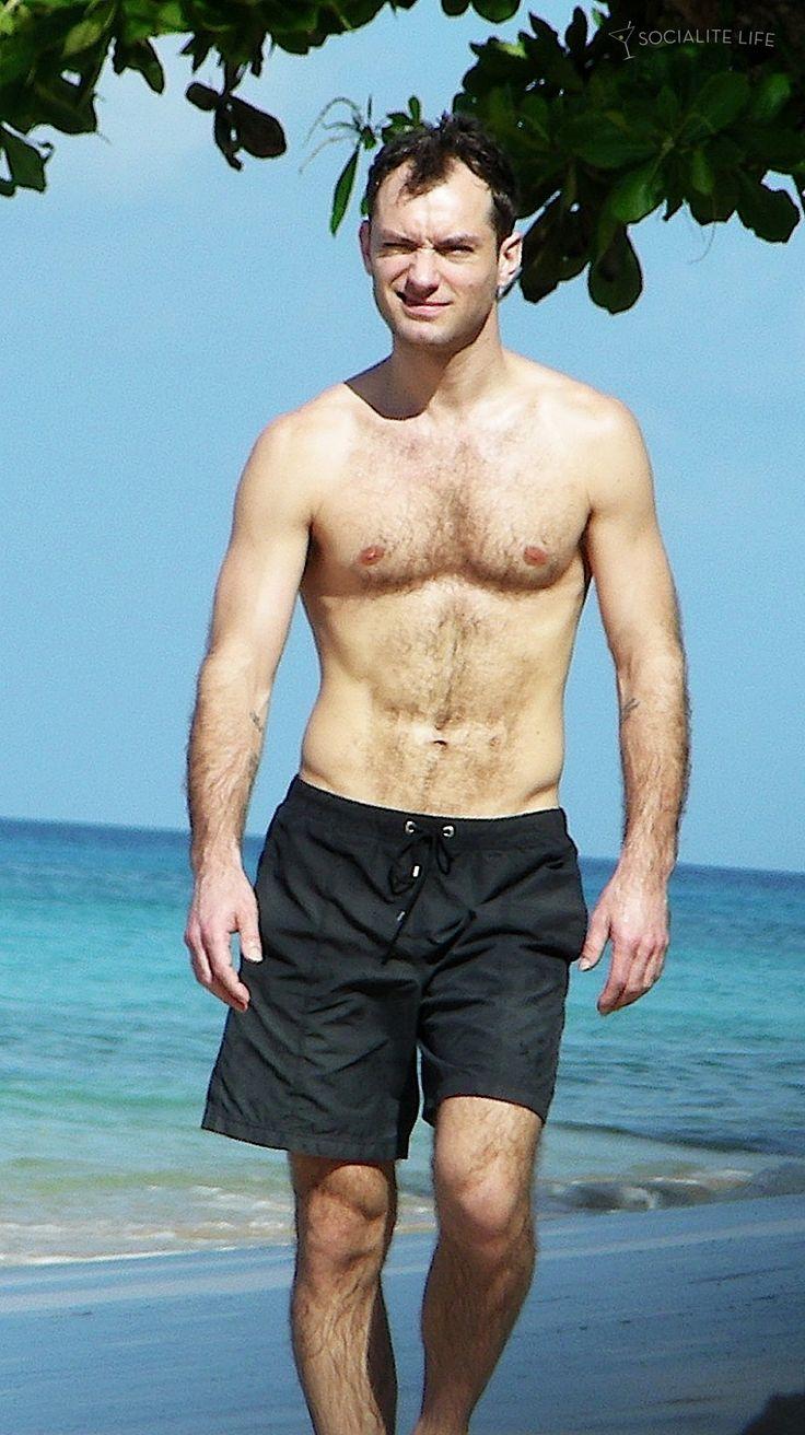 jude-law-shirtless