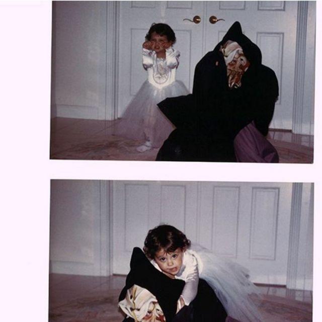 ¡Por supuesto! Es la pequeña Ariana Grande que desde pequeña ama Halloween.