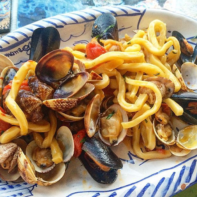 Fresh seafood and home made pasta, perfect Summer weekend food! Recipe for a white based pasta marinara is definitely in order and coming soon to the Hare & Tortoise Kitchen website.  #cooking #seafood #pasta #marinara #eat #delicious #yum #italianfood #homemade #mangia #foodphotography #foodie #foodlove #recipes #recipe #cooking #mussels #clams #prawns #calamari #homemadepasta #foodinspo