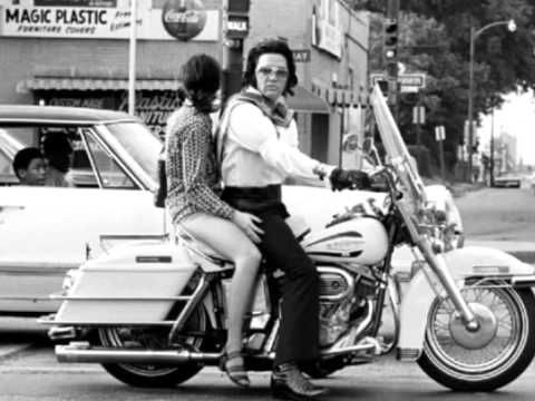 Elvis Presley Graceland an Suspicious Minds song - YouTube