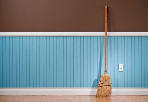 Spring-Cleaning That Won't Take Over Your Life: 8 Hours, Start to Finish Read more: http://www.oprah.com/home/Spring-Cleaning-Checklist-Room-by-Room_1/1#ixzz1pKcc4NMS