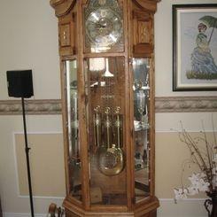 Horloge grand père réalisé par un excellent bricoleur Abitibien.
