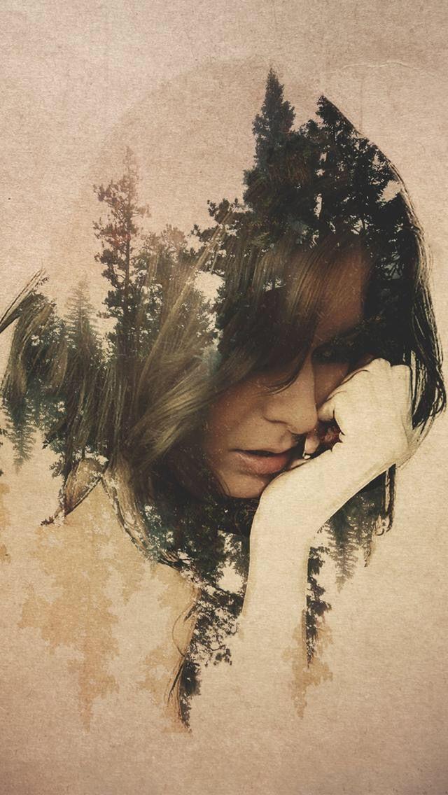 Het is heel mooi dat je iets van de natuur in haar haar ziet en toch ook helemaal niet