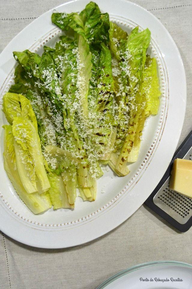 Alface Romana grelhada (com queijo parmesão) - http://gostinhos.com/alface-romana-grelhada-com-queijo-parmesao/