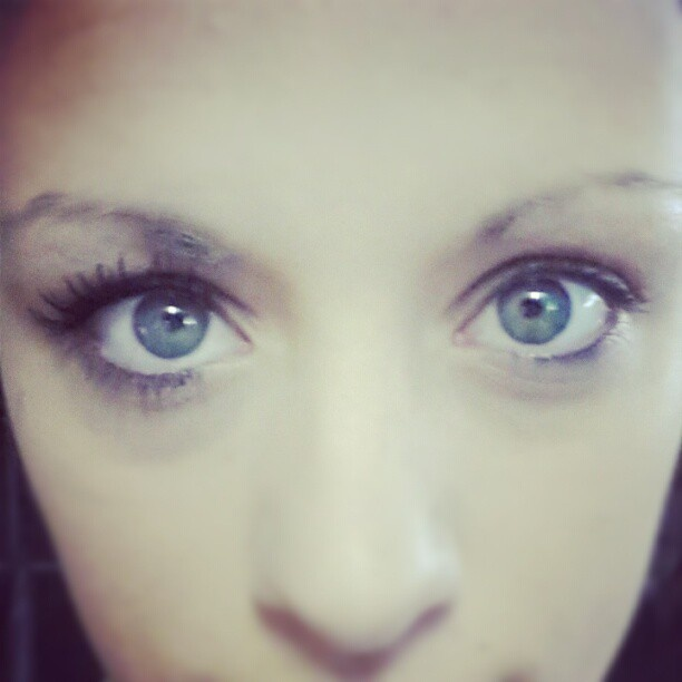 Beautiful long lashes from Divaderme - Lash extension fibers - Get yours now at Divaderme South Africa www.divaderme.co.za