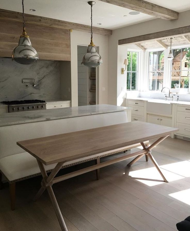 Latest Kitchen Interior Images: Stove, Vent Hood And Contemporary Kitchens