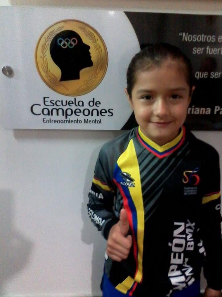 Nicole Foronda, campeona mundial de BMX, en girls 8 años, en el 2015.