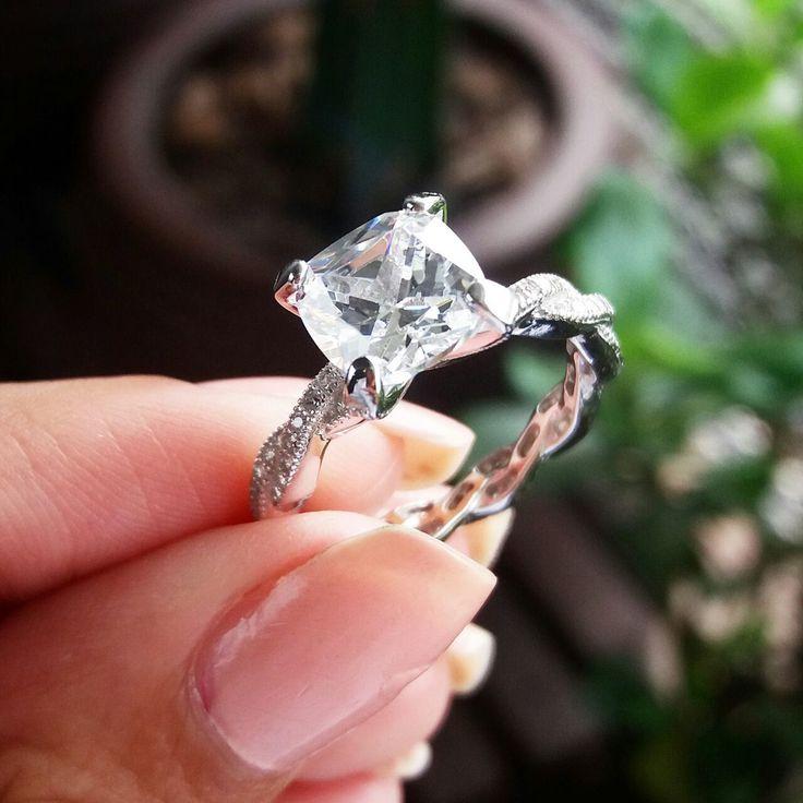 Anel de noivado Queen Joias💎💍    Compre no atacadopelo Whatsapp (11) 9.9686-1785📞        #joias #atacadodejoias #joiasnoatacado #atacado #revender #revenderjoias #dinheiro #extra #dinheiroextra #alta #joalheria #altajoalheria #prata #925 #prata925 #ródio #jewelry #jewels #presente #para #namorada #dia #namorados #mães #mãe #dica #criativo #anel #noivado #casamento