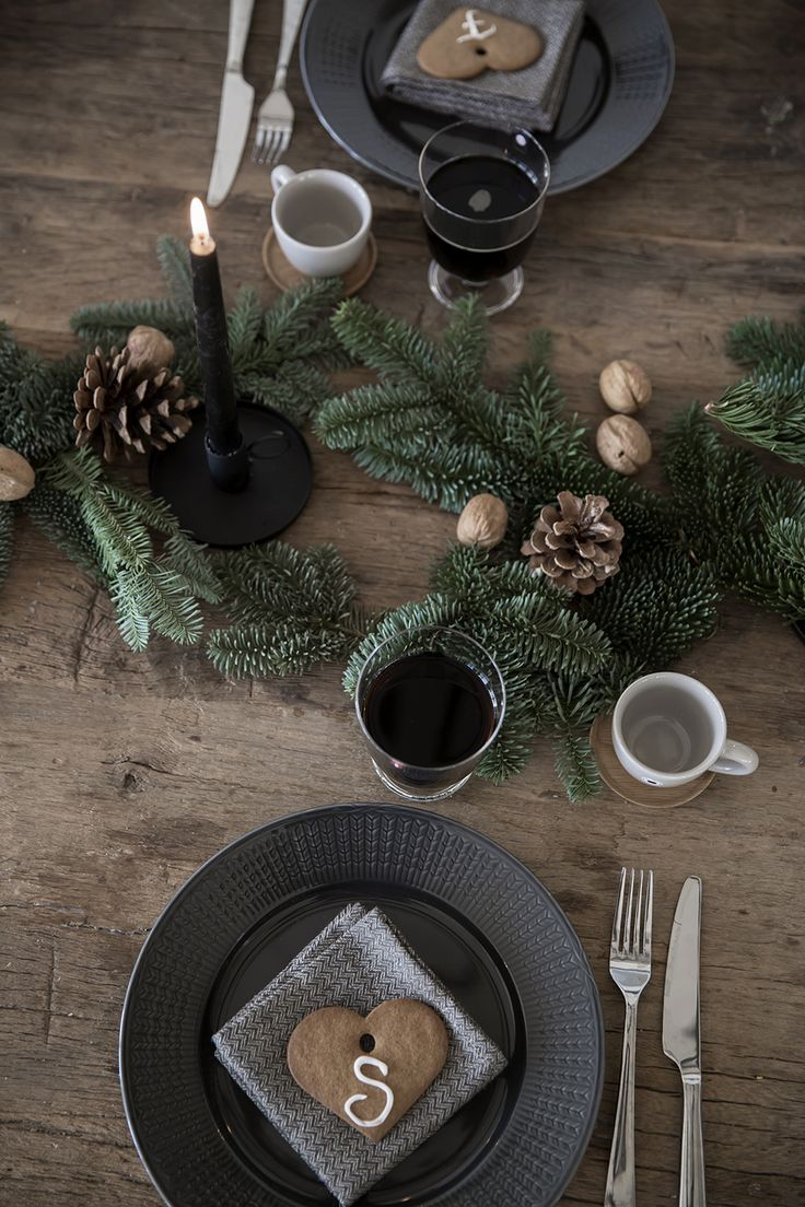 Rustic christmas table setting.