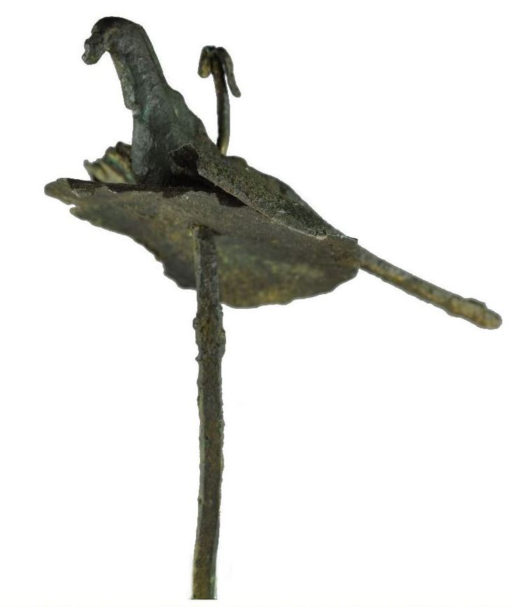 Iranian Chiraz Shahdad bronze bird from a standard, Bronze Age, 3rd-2nd millenium B.C. Winged bird with tiny sheet wings, 8 cm wide. Private collection