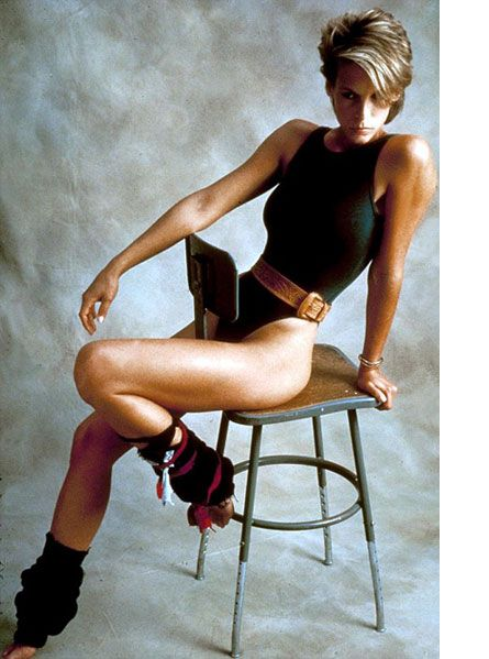 """""""what's so wrong with wanting to be perfect?"""" Jamie Lee Curtis is, excuse me *in* Perfect (1985)"""