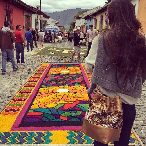 Alfombra de Semana Santa Antigua Guatemala