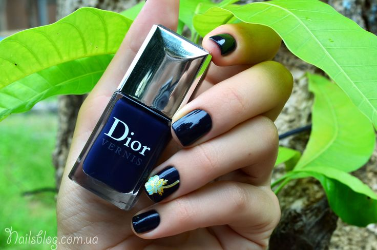 Лак для ногтей Dior Vernis 997 Blue Label. http://nailsblog.com.ua/lak-dlya-nogtej-dior-vernis-997-blue-label/ Маникюр, ногти, дизайн ногтей, nails^ nail design