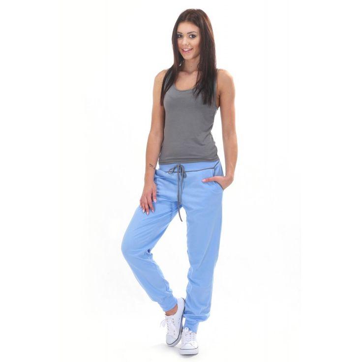 Błękitne spodnie dresowe damskie