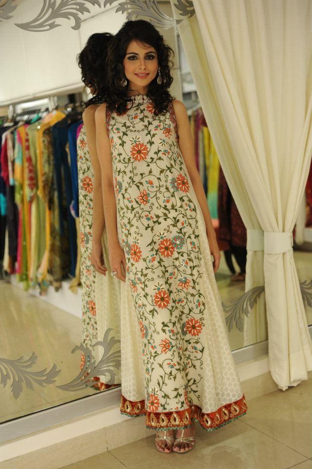 Event: Ellemint Pret Launch Outfit: Marquis - Creme Cotton Net with Kashmiri Jaal Model: Marvi For prices/info on pieces, please email info@tenadurrani.com