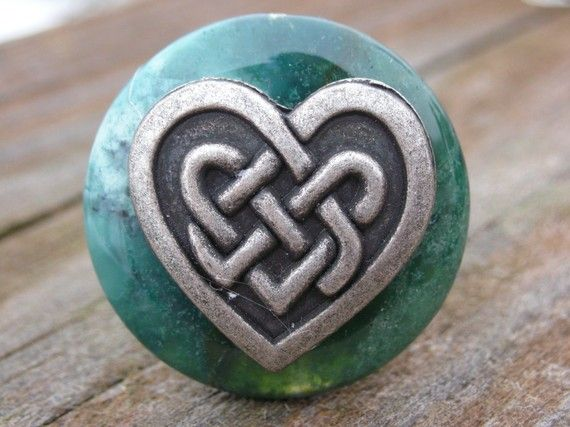 Love this!  Celtic knot + heart... as a tattoo??