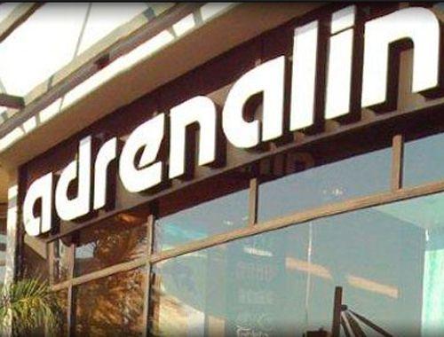 Adrenalin trae para ti una completa colección de ropa y accesorios urbanos, inspirada en los deportes de tablas como skate, surf y snowboard.  20% En toda la tienda.  www.adrenalin.cl