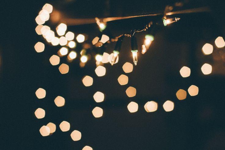 Ani sme sa nenazdali asú tu opäť. Sú však Vianoce stále sviatkami radosti apokoja? Ak otom niekedy tiež pochybuješ, táto 12-dňová výzva je pre teba ako stvorená. Prečítaj si 12 tipov, sktorými sa pre teba toto obdobie opäť stane výnimočným.