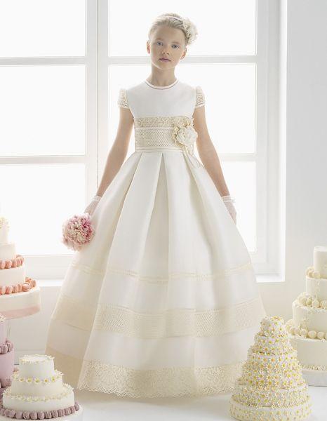 De la nota: Rosa Clará 2015: Vestidos de comunión y arras Leer mas: http://www.hispabodas.com/notas/2782-rosa-clara-vestidos-comunion-y-arras
