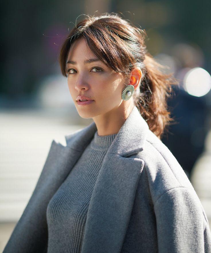 「グレーコート」の女らしさUPアイディア3選Marisol ONLINE|女っぷり上々!40代をもっとキレイに。