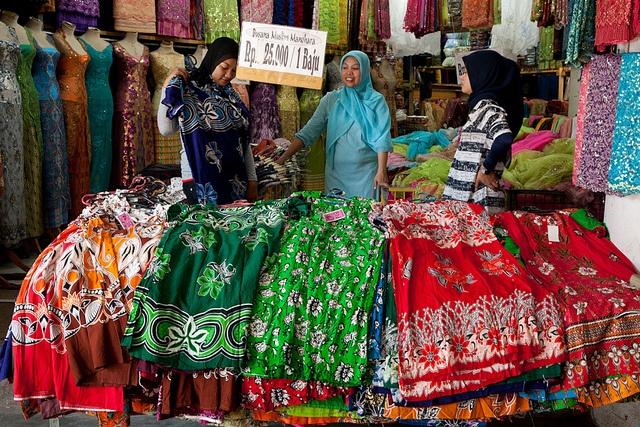 Market, Makassar by Marji Lang, via Flickr