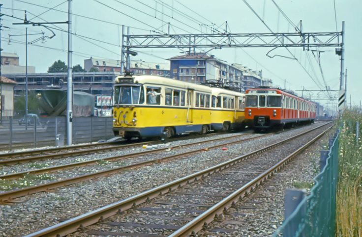 Milano via Palmanova tram e metropolitana (1970) #milano #metro #tram #atm #fotografia #storia #crescenzago