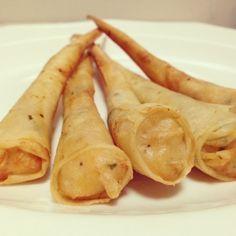 Conos de pasta filo rellenos de gambas y cebollino- Cooking Day by Day